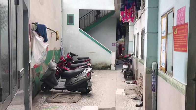 Trộm cắt cửa vào 1 nhà trọ ở Thủ Đức lấy 5 xe máy  - ảnh 1