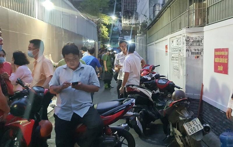 Cháy nhà trong hẻm ở Phú Nhuận, một người tử vong - ảnh 1
