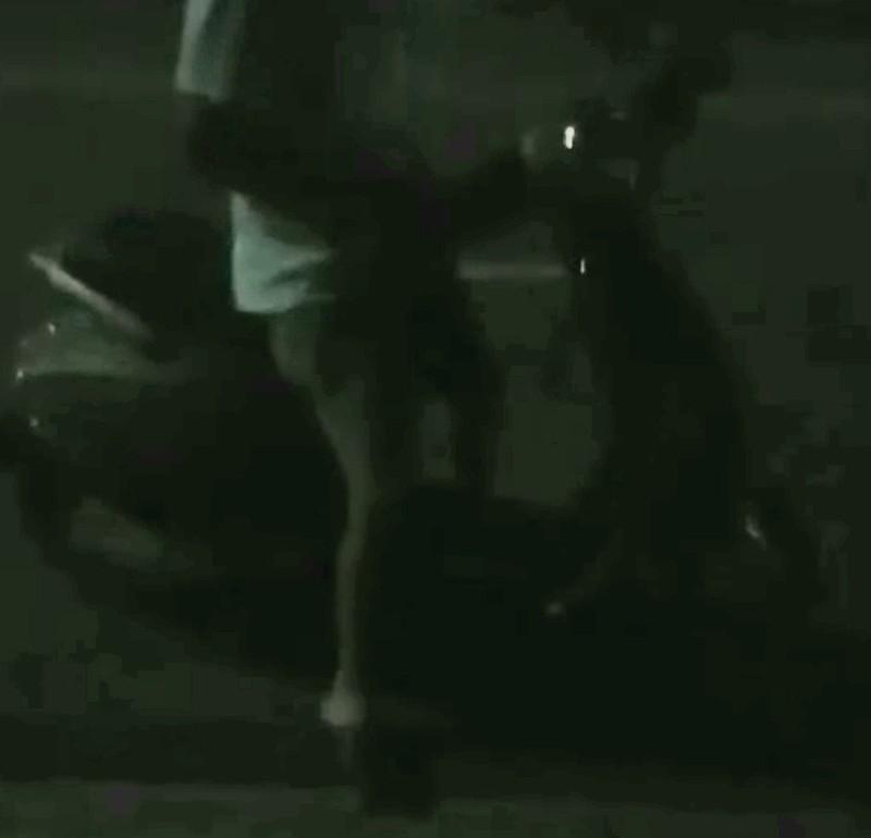 Nhân viên nhà giữ xe KTX Khu B ĐHQG dọa giết sinh viên - ảnh 1