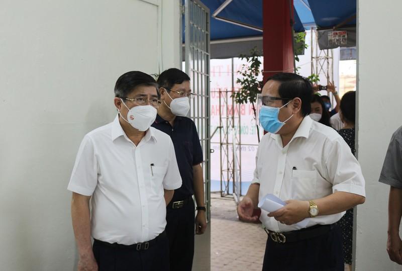 Chủ tịch Nguyễn Thành Phong: 'Tuyệt đối không để F0 tử vong tại nhà' - ảnh 4