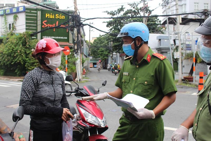 Từ 1-10, Công an Phú Nhuận sẽ kiểm tra ngẫu nhiên người đi đường - ảnh 3