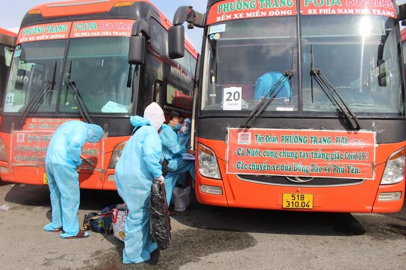 63 ngày tình nghĩa - Phú Yên đưa gần 17.000 người ở TP.HCM về quê - ảnh 2