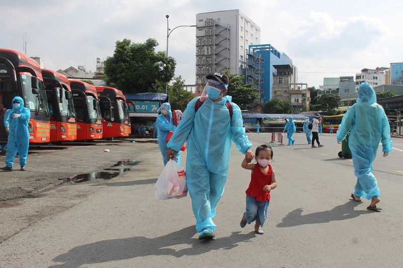 63 ngày tình nghĩa - Phú Yên đưa gần 17.000 người ở TP.HCM về quê - ảnh 4