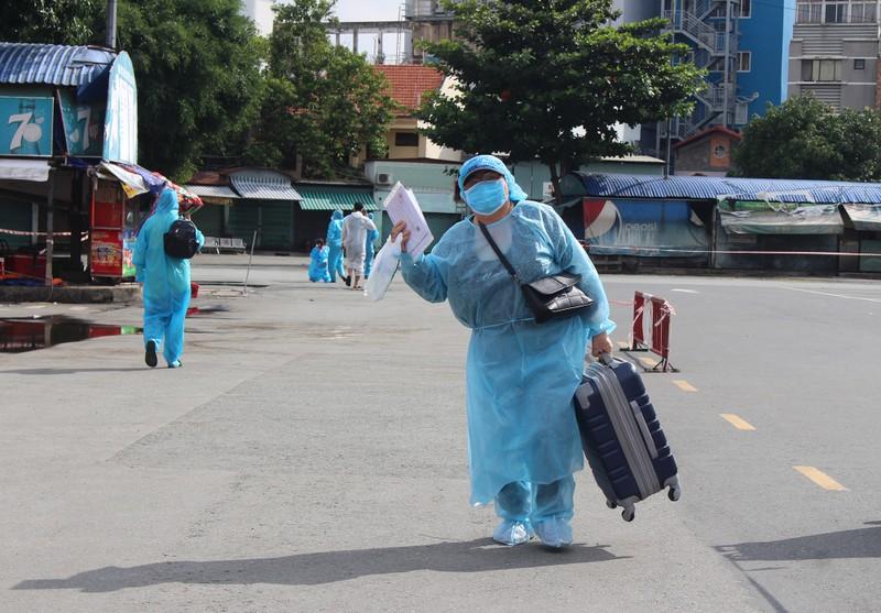 63 ngày tình nghĩa - Phú Yên đưa gần 17.000 người ở TP.HCM về quê - ảnh 3