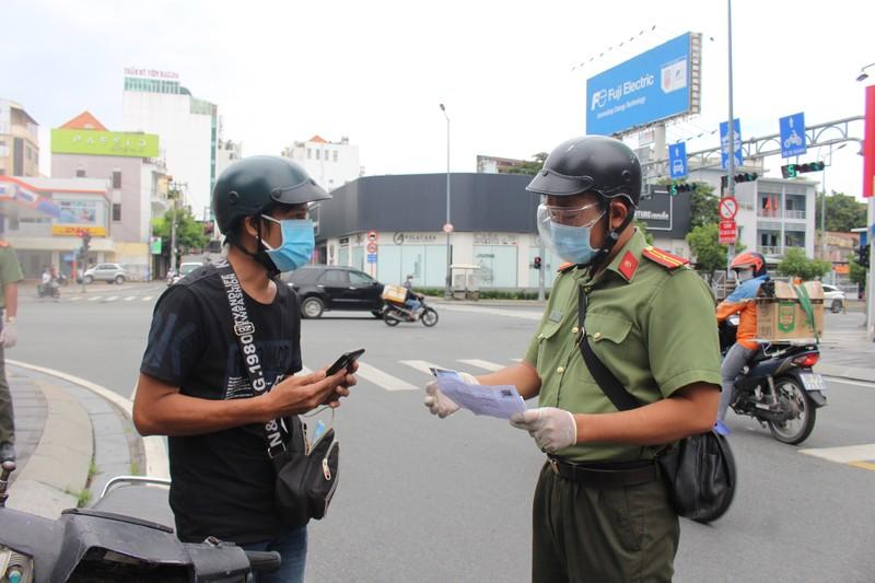 Từ 1-10, Công an Phú Nhuận sẽ kiểm tra ngẫu nhiên người đi đường - ảnh 4
