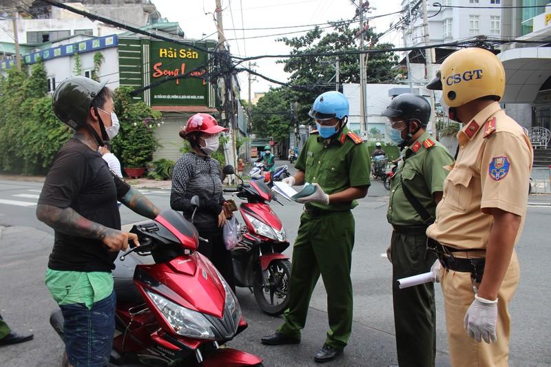 Từ 1-10, Công an Phú Nhuận sẽ kiểm tra ngẫu nhiên người đi đường - ảnh 2