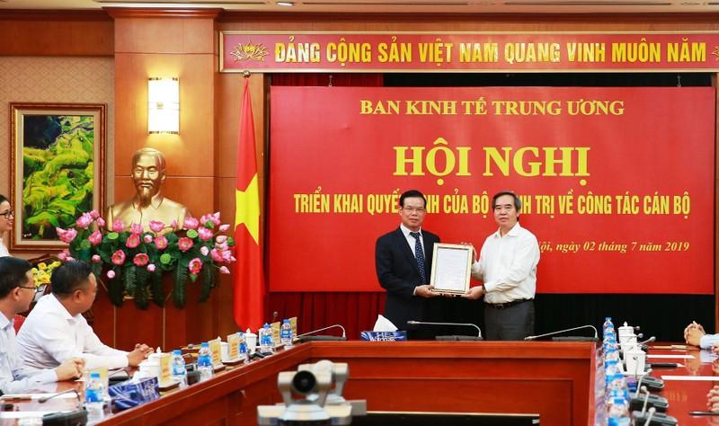 Ông Triệu Tài Vinh về làm Phó trưởng Ban Kinh tế TW  - ảnh 1