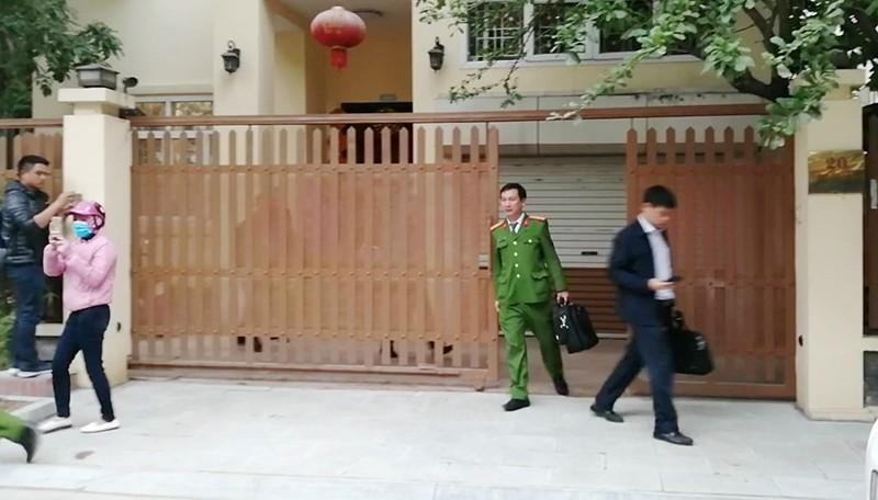 Công an khám nhà chánh Văn phòng Thành ủy Hà Nội - ảnh 3