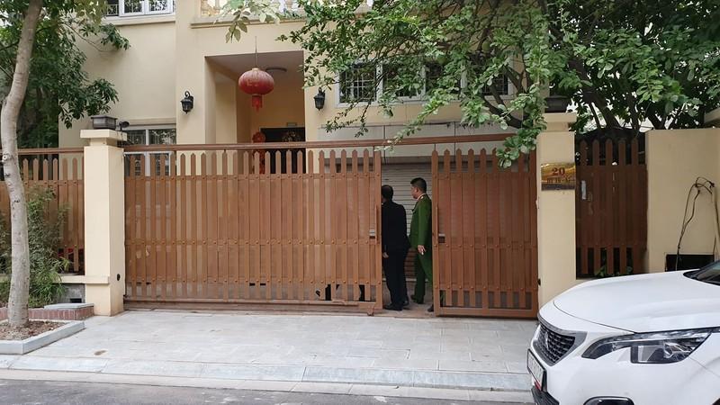 Công an khám nhà chánh Văn phòng Thành ủy Hà Nội - ảnh 1