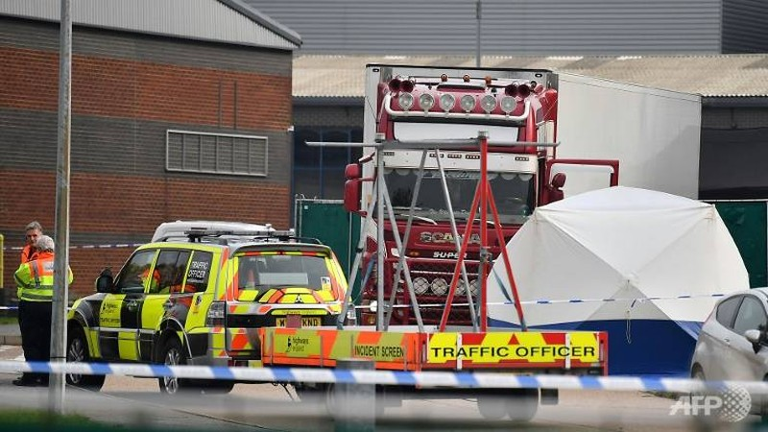 Chiếc xe tải đến Anh bằng phà, xuất phát từ cảng Zeebrugge của Bỉ. Ảnh: AFP
