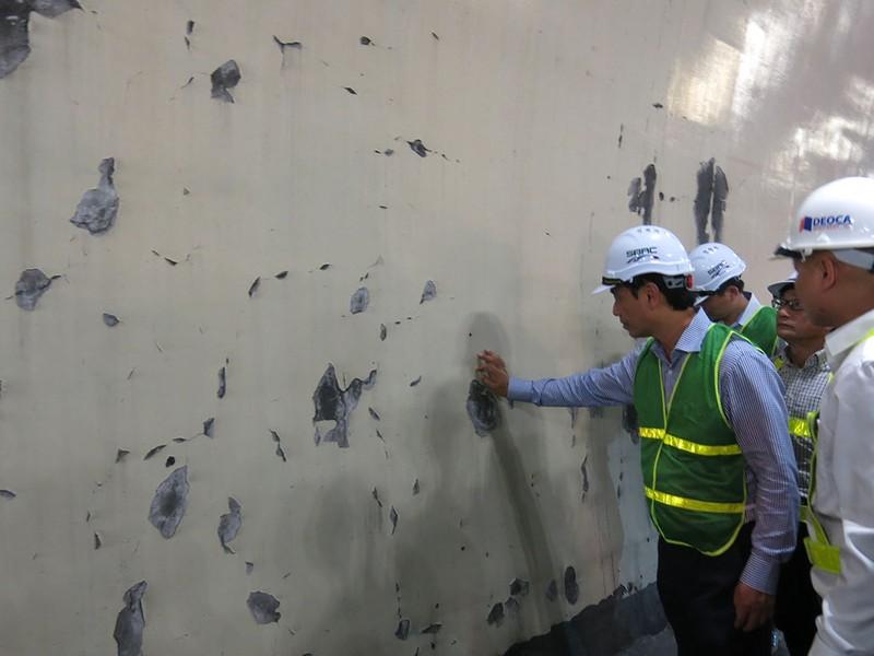 Bắt đầu kiểm tra vết nứt hầm Hải Vân - ảnh 2