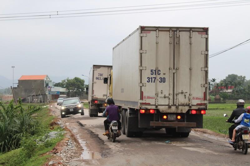 Dân phản đối sửa quốc lộ 40B - ảnh 2