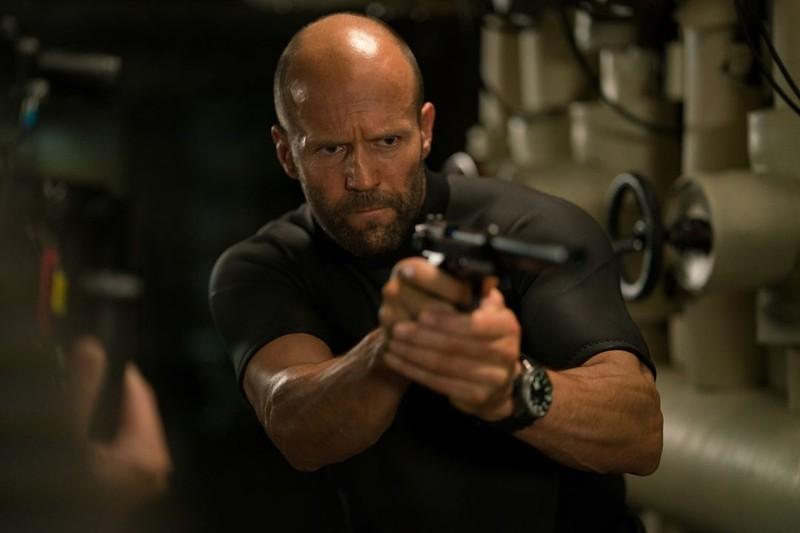 Jason Statham đối đầu cá mập siêu bạo chúa - ảnh 2