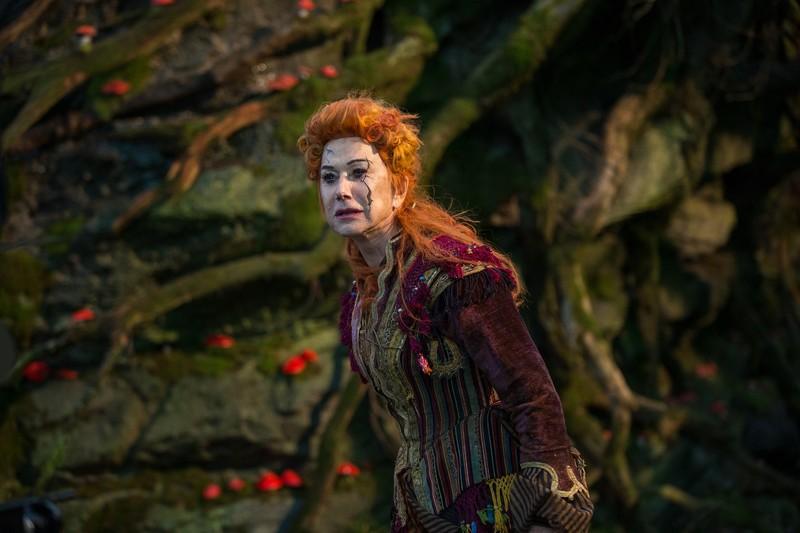 Disney tung trailer mới: Chuyến phiêu lưu kỳ ảo của Clara  - ảnh 5