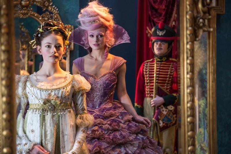 Disney tung trailer mới: Chuyến phiêu lưu kỳ ảo của Clara  - ảnh 7