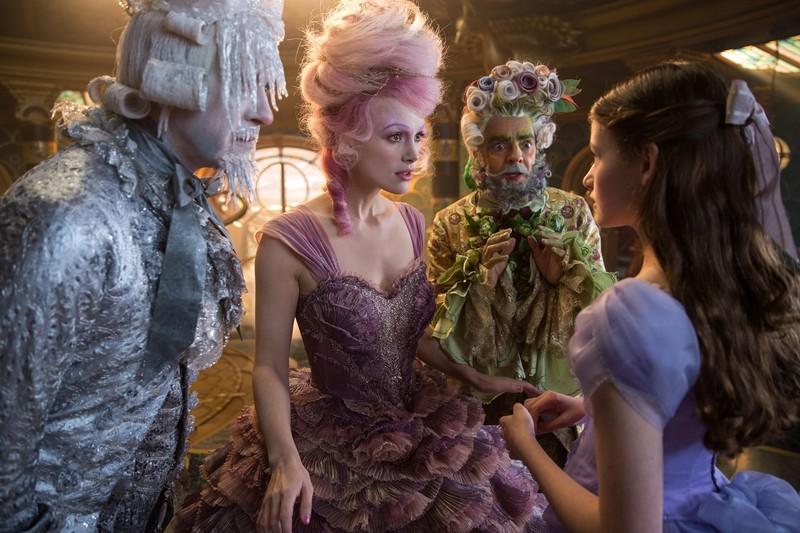 Disney tung trailer mới: Chuyến phiêu lưu kỳ ảo của Clara  - ảnh 6