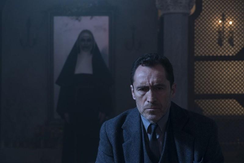 """Bộ sậu sản xuất đình đám đằng sau bom tấn kinh dị """"The Nun""""  - ảnh 5"""
