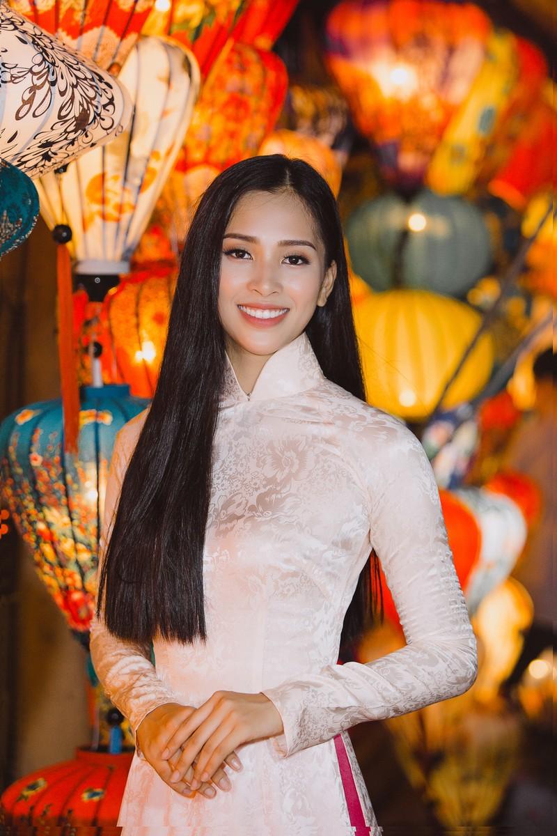 Clip Hoa hậu Tiểu Vy giới thiệu đầy lôi cuốn tại Miss World - ảnh 4