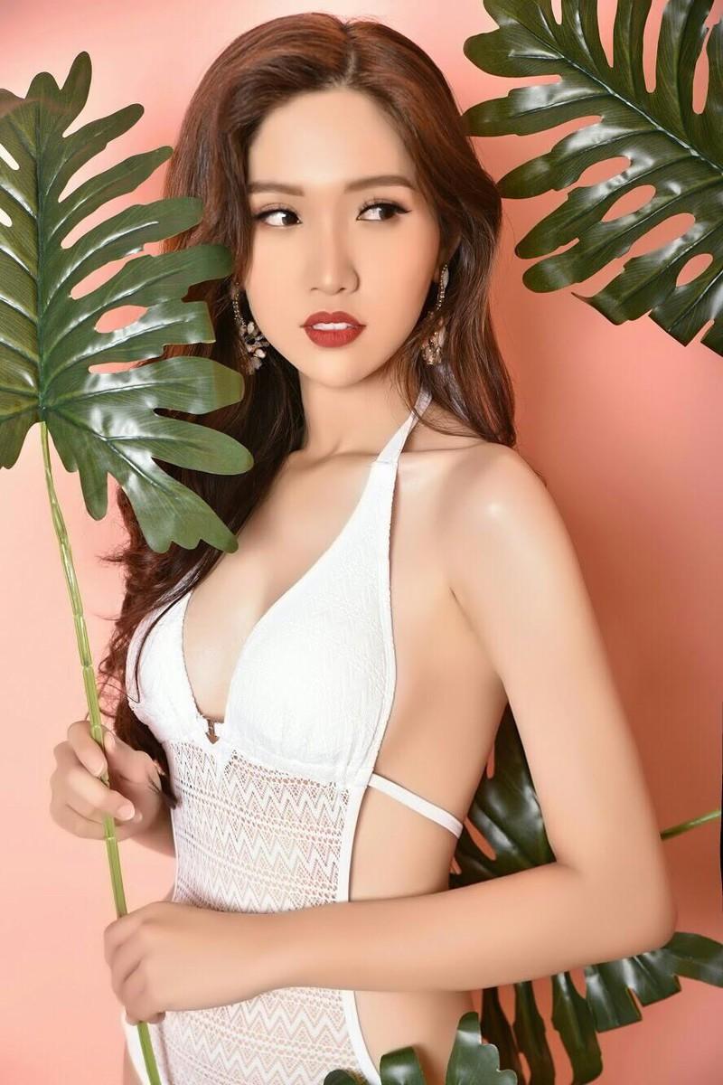 Bộ ảnh bikini triệu views giúp Nhật Hà nóng bỏng - ảnh 1