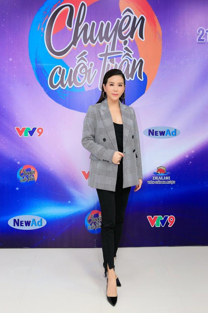 Hoa hậu Thu Hoài chia sẻ về những trăn trở khi con đồng tính - ảnh 1