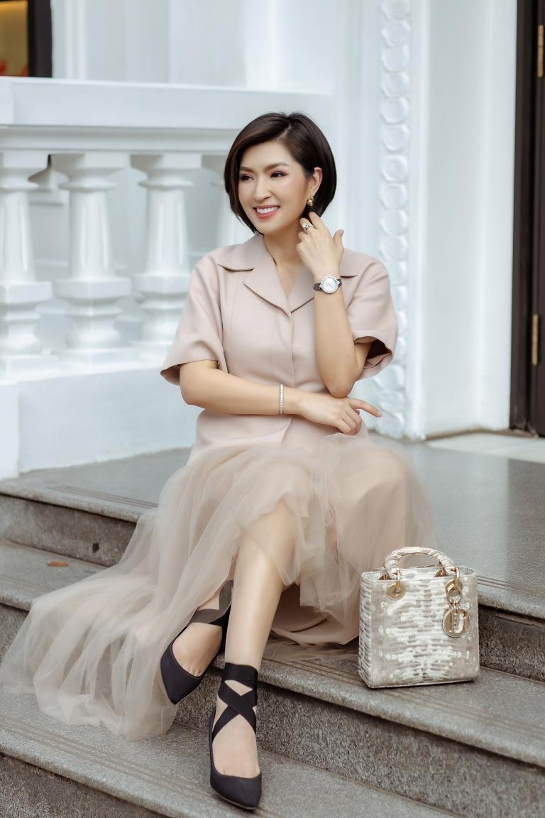 Nguyễn Hồng Nhung đã bước qua scandal ảnh nóng - ảnh 3
