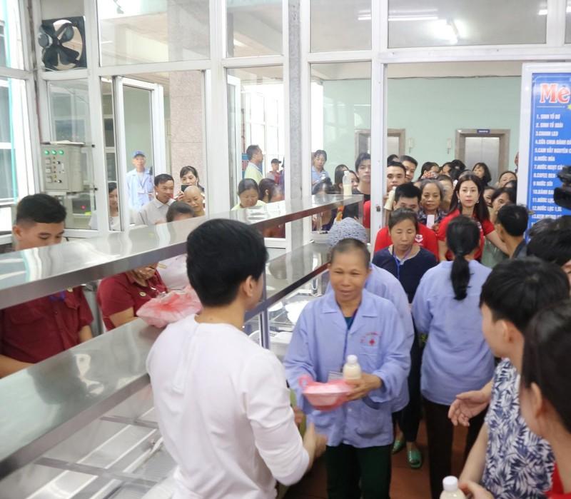 Đan Trường và Trung Quang san sẻ cùng bệnh nhân ung thư - ảnh 4