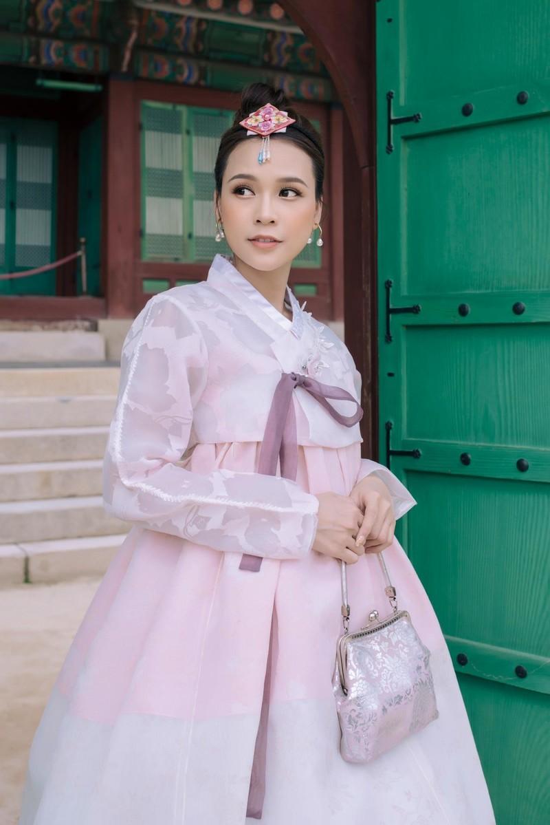 Sam 'thả thính' fan khi diện hanbok và hé lộ dự án phim mới - ảnh 3