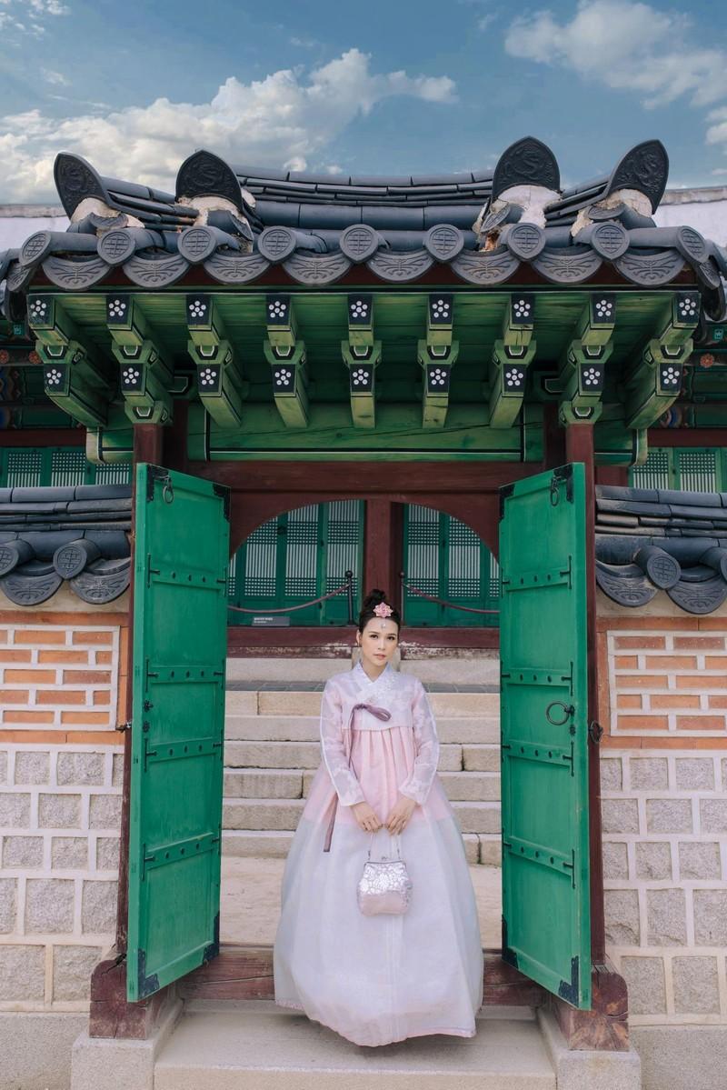 Sam 'thả thính' fan khi diện hanbok và hé lộ dự án phim mới - ảnh 4