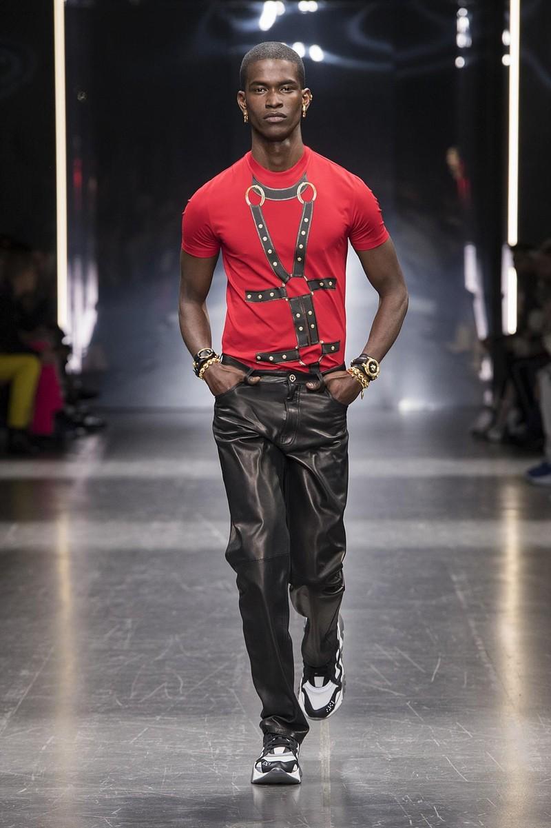 Huyền thoại Versace trở lại lộng lẫy qua BST thu đông 2019 - ảnh 5