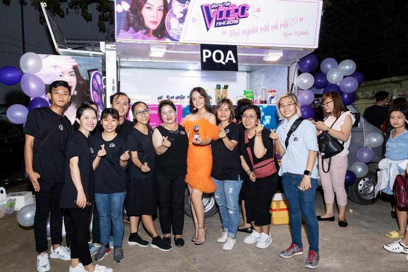 Phạm Quỳnh Anh nhận quà 'khủng' từ người hâm mộ - ảnh 4