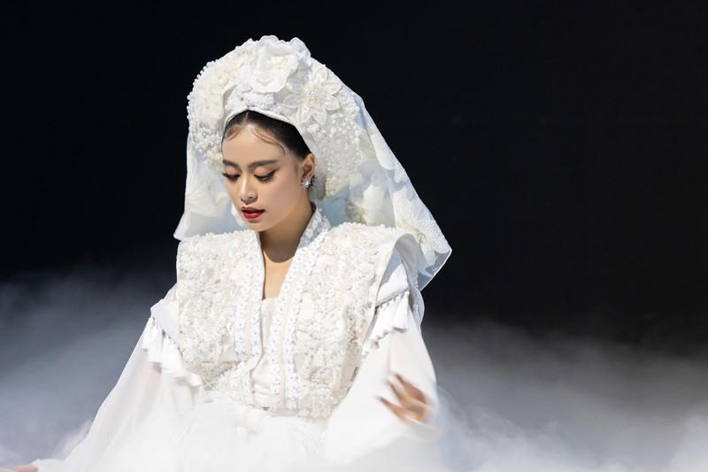 Hoàng Thùy Linh tiếp tục đưa văn hóa Việt vào MV Tứ Phủ - ảnh 1