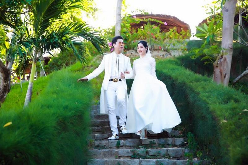 Ngọc Sơn cùng 'cô dâu' bí mật quay hình tại Nha Trang - ảnh 1