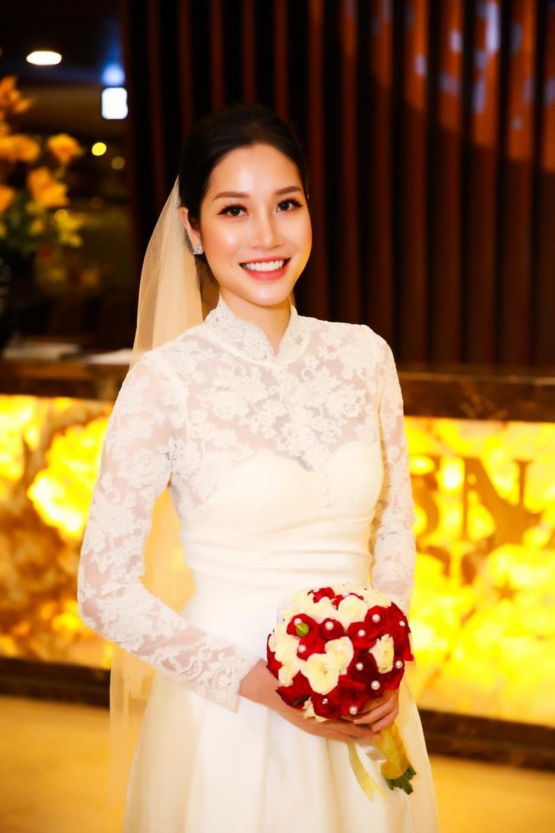 Ngọc Sơn cùng 'cô dâu' bí mật quay hình tại Nha Trang - ảnh 5