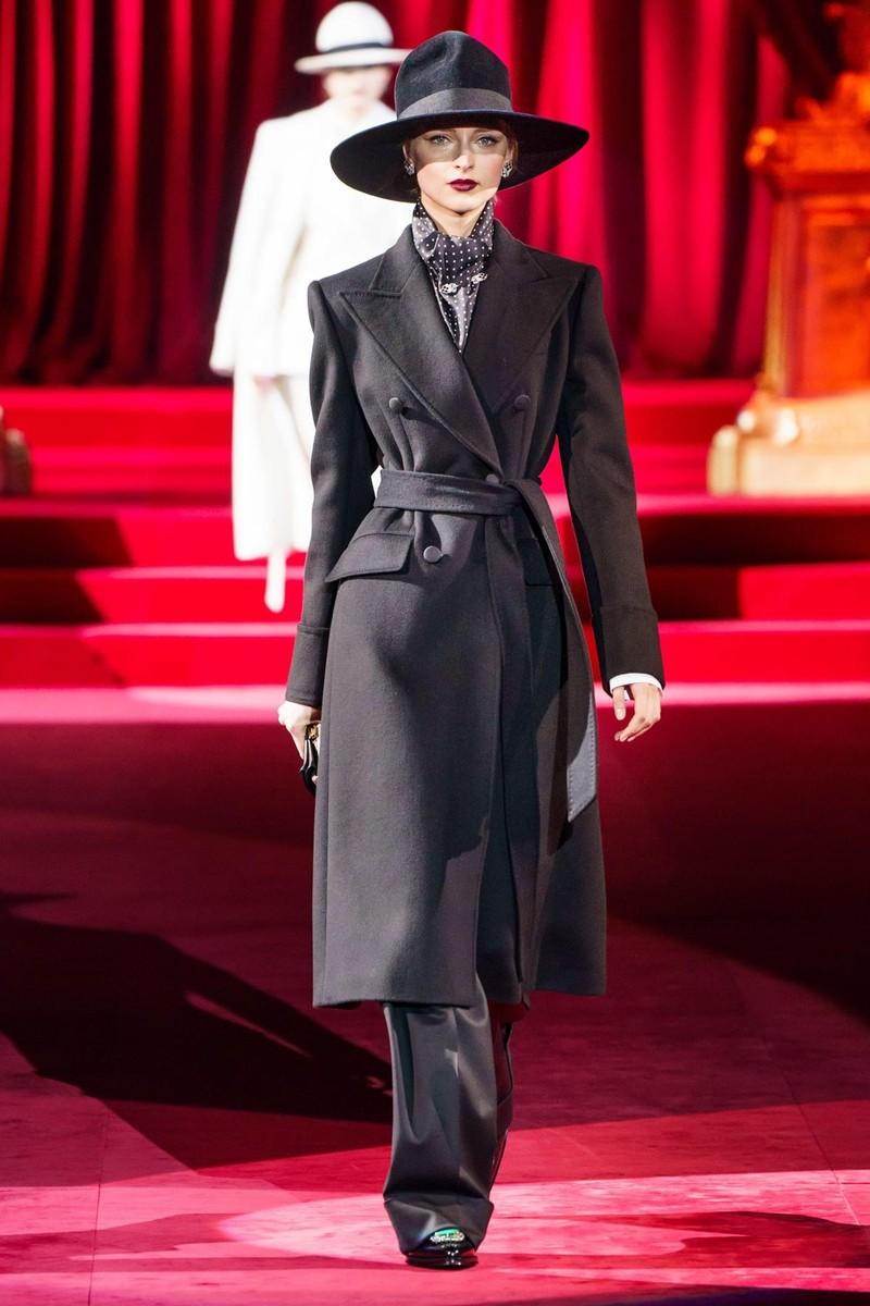 Bộ sưu tập Dolce & Gabbana tạo nên sự khác biệt từ khí chất - ảnh 1