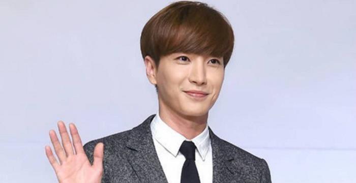 Trưởng nhóm Lee Teuk (Super Junior) xuất bản sách dạy nấu ăn - ảnh 1