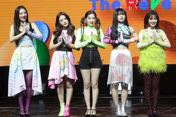 Red Velvet bị tố đạo trang phục khi vừa trở lại không lâu - ảnh 3