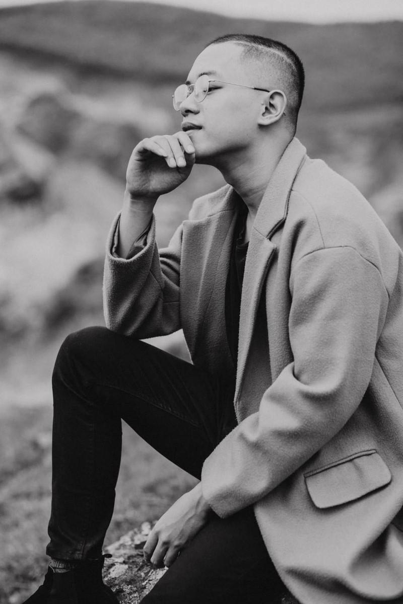 Xuất hiện 'bản sao' Yoo Ah In song ca cùng Kay Trần - ảnh 3