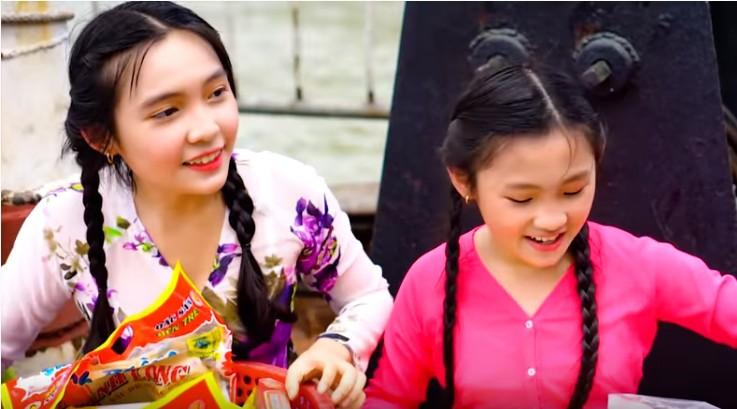 Ngọc nữ dân ca nhí Dương Nghi Đình hát hit của Cẩm Ly - ảnh 3
