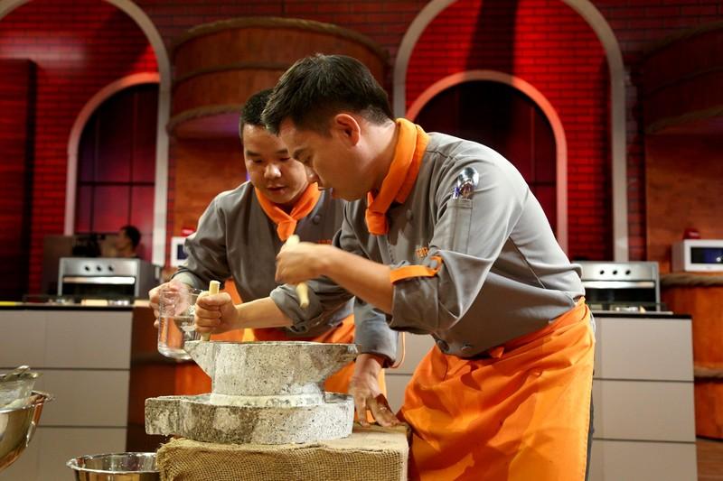 Việt Hương đại náo Top chef Việt Nam với đề thi khó nhằn - ảnh 1