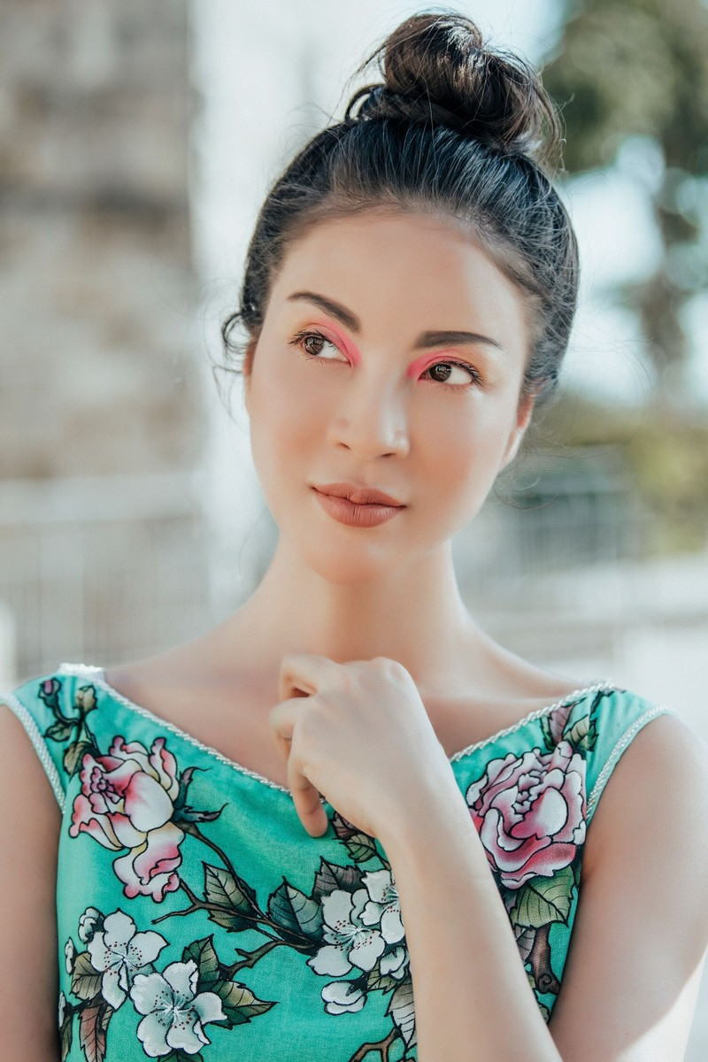MC Thanh Mai khoe nhan sắc không tuổi với áo dài tại Israel - ảnh 5