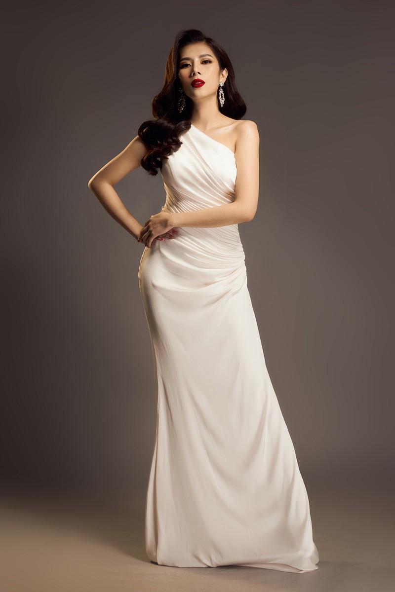 Hoa hậu Dương Yến Nhung sau khi đăng quang tiếp tục gây sốc - ảnh 1