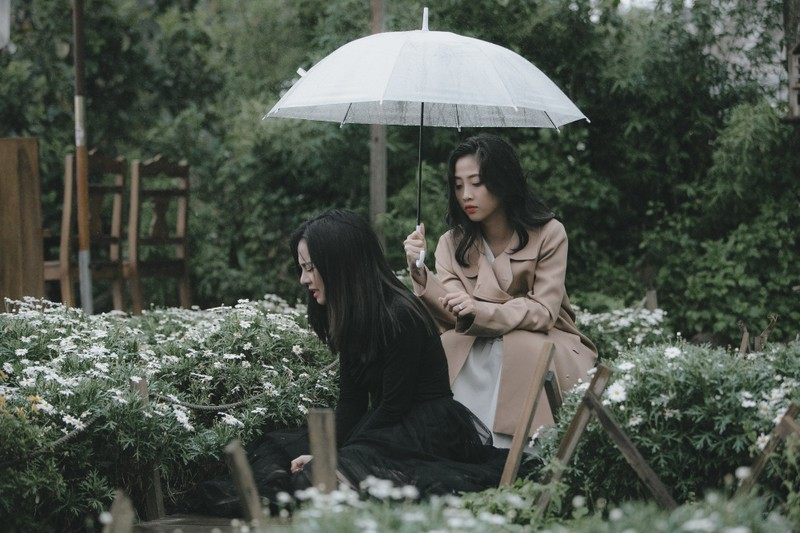 MC Hà Trinh tìm lại thanh xuân trước khi bước sang tuổi mới - ảnh 4