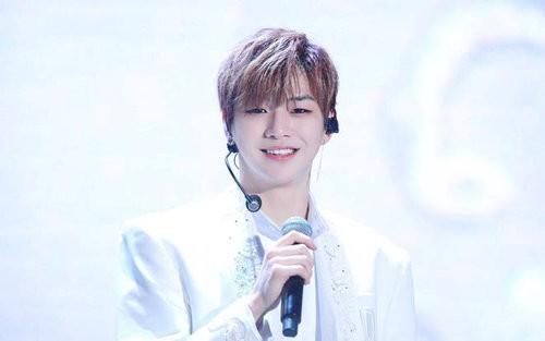 Đại diện Kang Daniel cho biết nam ca sĩ bị mắc chứng trầm cảm - ảnh 1