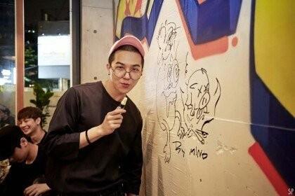 Song Minho (Winner) trở thành họa sĩ tại triển lãm SEEA 2019 - ảnh 1