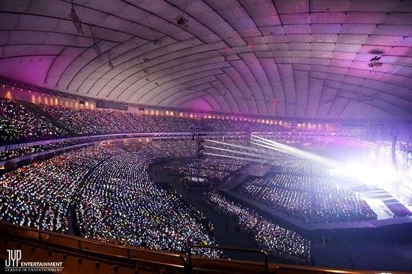 Buổi hòa nhạc của TWICE và SuperM tại Nhật bị hoãn do COVID-19 - ảnh 1