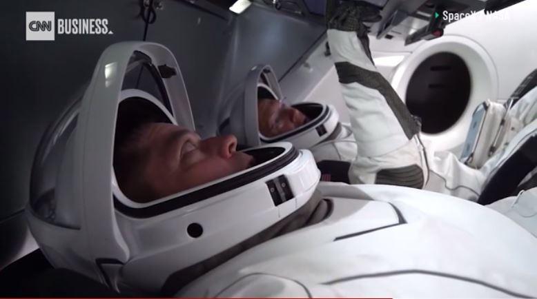 Tom Cruise và NASA hợp tác cho dự án bom tấn ngoài vũ trụ - ảnh 1