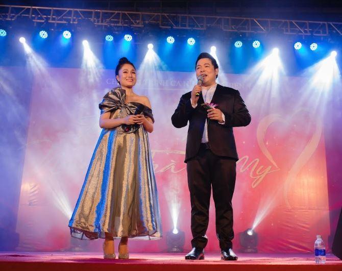 Tố My, Quang Lê tình tứ trên sân khấu khiến khán giả thích thú - ảnh 3