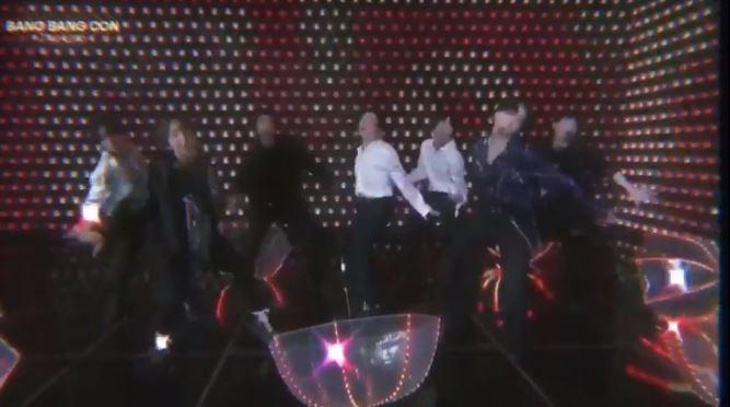 BTS đạt doanh thu kỷ lục tại buổi hòa nhạc 'Bang Bang Con' - ảnh 2