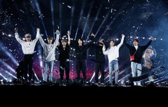 BTS đạt doanh thu kỷ lục tại buổi hòa nhạc 'Bang Bang Con' - ảnh 1