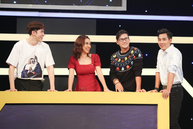 Dàn khách mời hỗn loạn trên sân khấu Bản lĩnh ngôi sao - ảnh 2
